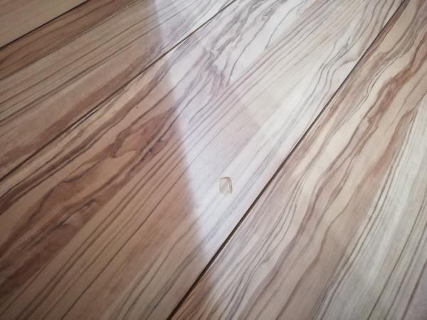 熊本市東区で床(フローリング)の補修を行いました。サムネイル
